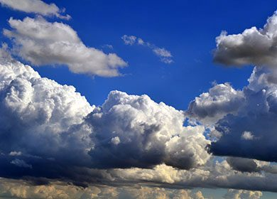 Clouds reflecting sunlight. Courtesy of Pixabay.