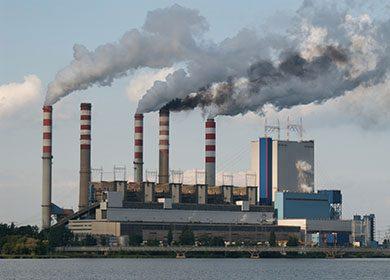 A power plant. Courtesy of Pixabay.