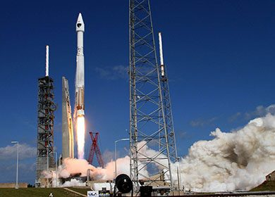A United Launch Alliance Atlas V carrying a satellite. Courtesy of SpaceFlight Insider and Michael Howard.