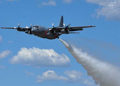 U.S.-Air-Force-C130-Hercules-expels-water-27kb