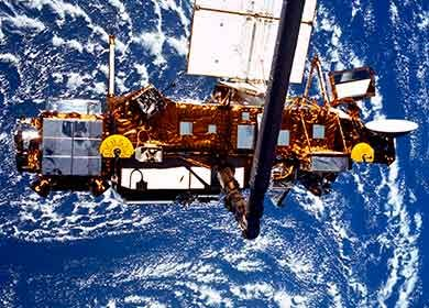 An Upper Atmosphere Research Satellite. Courtesy of NASA.