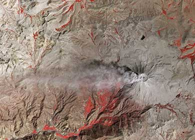 The Volcano Ubinas in Peru expelling aerosols in the atmosphere. Courtesy of NASA Earth Observatory.